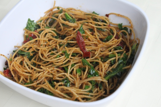 Spicy spaghetti with kale