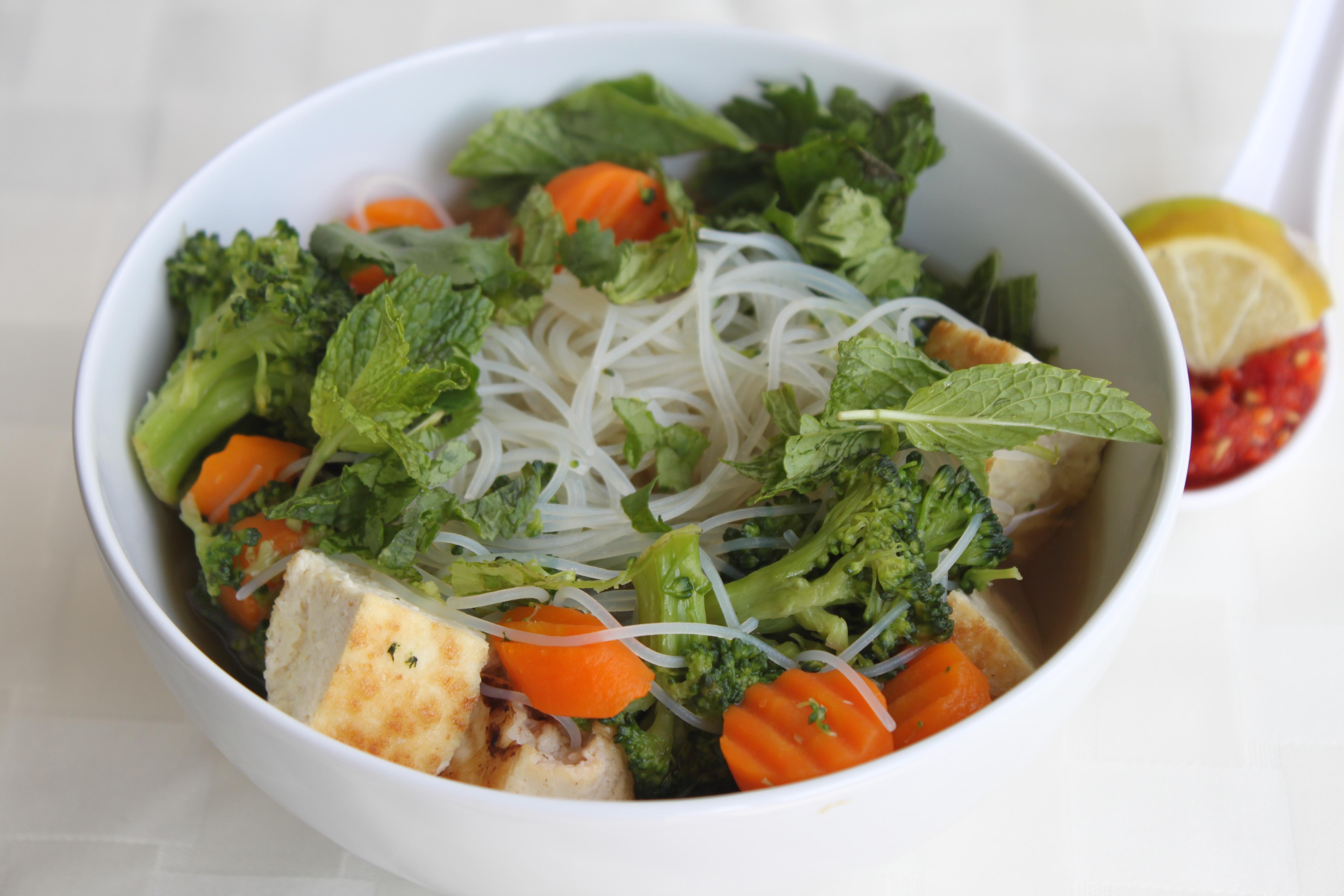 Vegan Pho (Vietnamese Noodle Soup) | Eat,live,burp