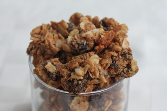 almond raisin clusters